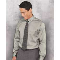 Van Heusen 13V0143 Non-Iron Pinpoint Oxford Shirt